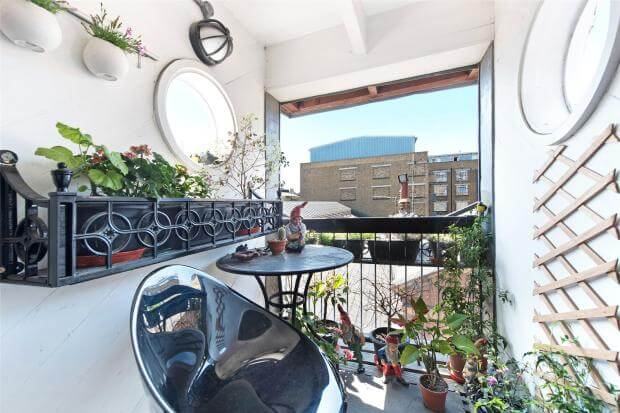 Auction Sale of Property in Shad Thames. London - Balcony