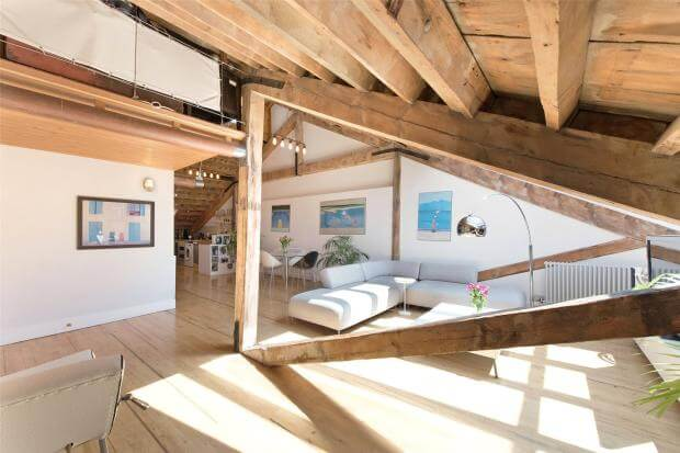 Auction Sale of Property in Shad Thames. London - Open Space 2