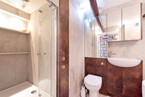 Auction Sale of Property in Shad Thames. London - Bathroom 2