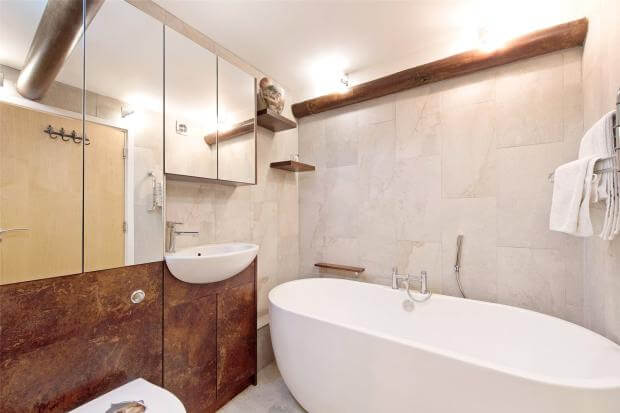 Auction Sale of Property in Shad Thames. London - Bathroom 3
