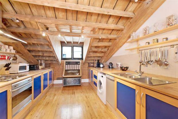 Auction Sale of Property in Shad Thames. London - Kitchen